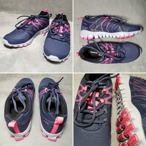 NWOT Reebok Realflex Train / Run Sneakers